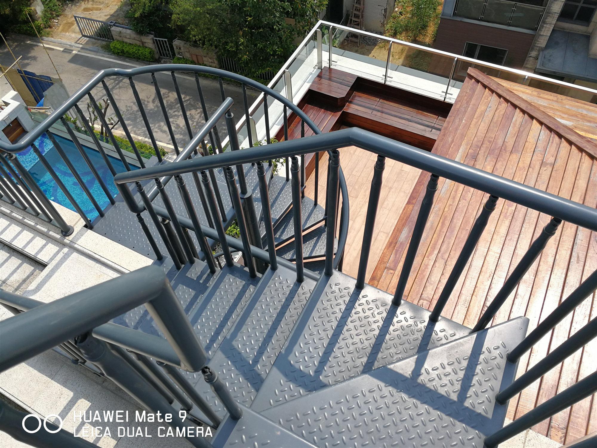 金山谷别墅旋转梯