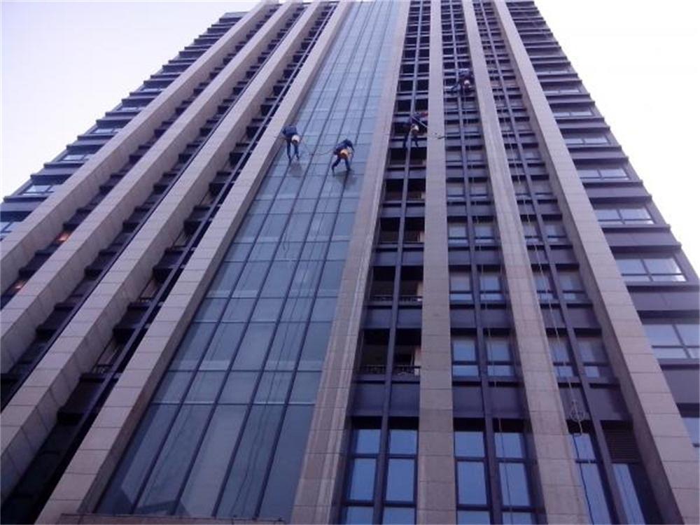 德安大厦外墙清洗